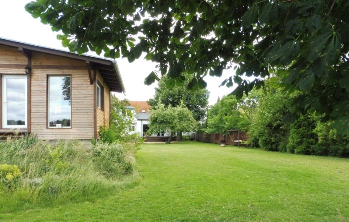 Seminarhaus mit Garten zum See