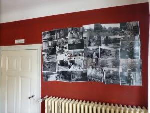 Die neue Fotowand im Gastraum mit den Bildern der Stammfamilie des Hauses