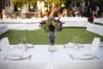 Hochzeit im Garten unter Bäumen