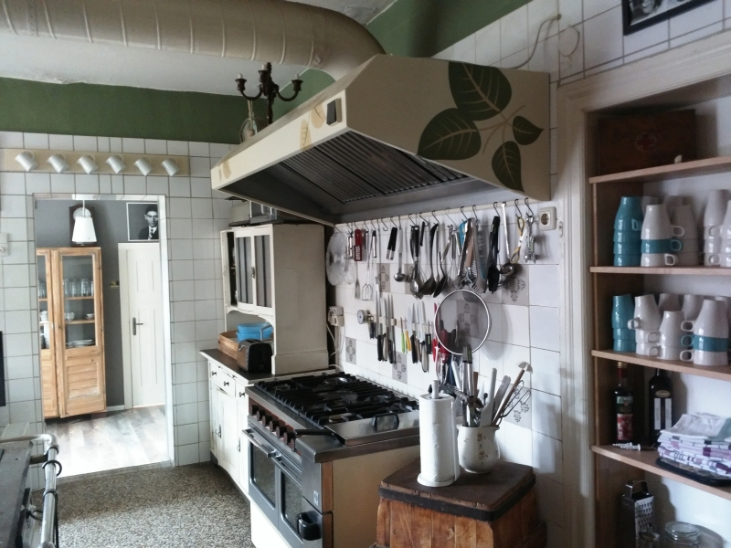 historische k che im haus am bauernsee. Black Bedroom Furniture Sets. Home Design Ideas