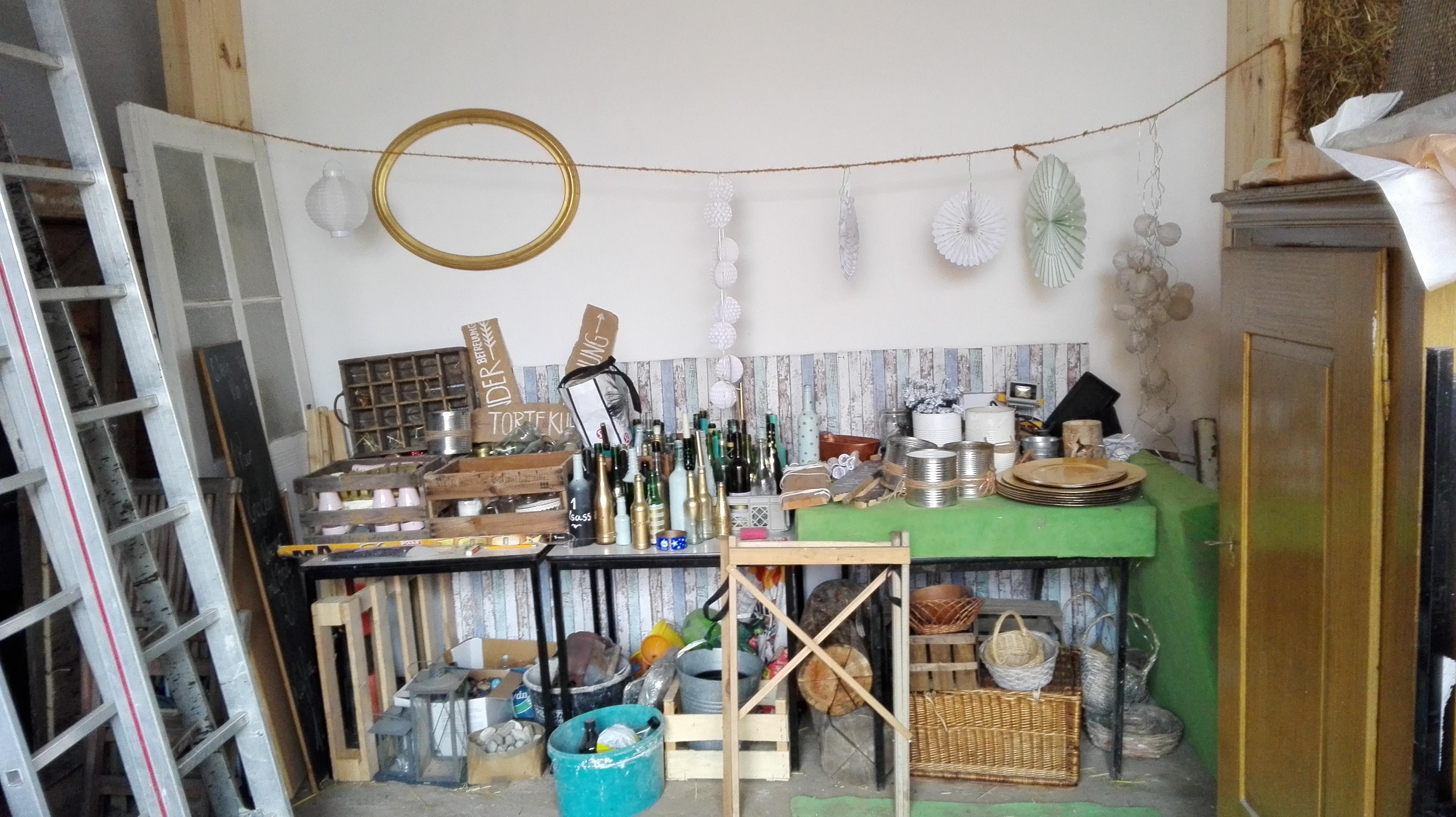 Ausstattung im Haus am Bauernsee. Möbel, Geschirr, Technik, Deko und ...