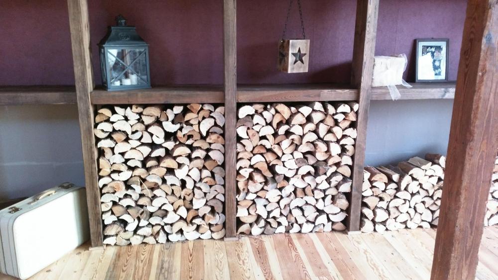 Holz in der Scheune
