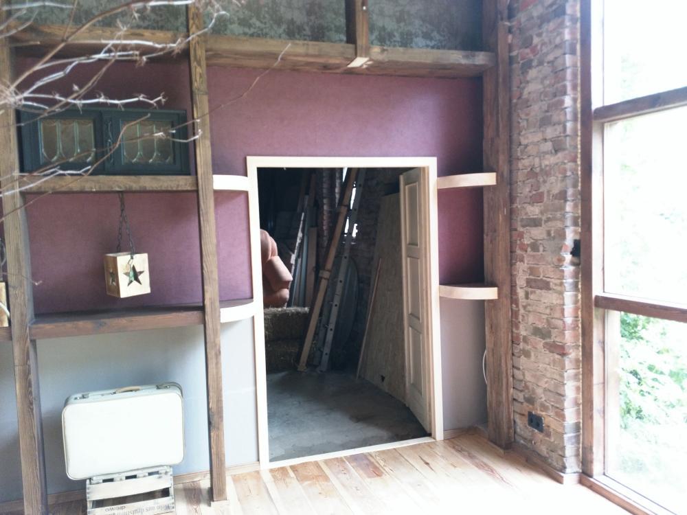 Neue Tür in Scheune