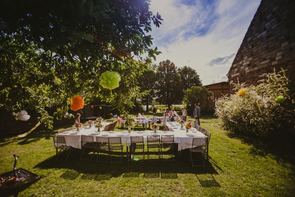 Essen in der sonne im Garten