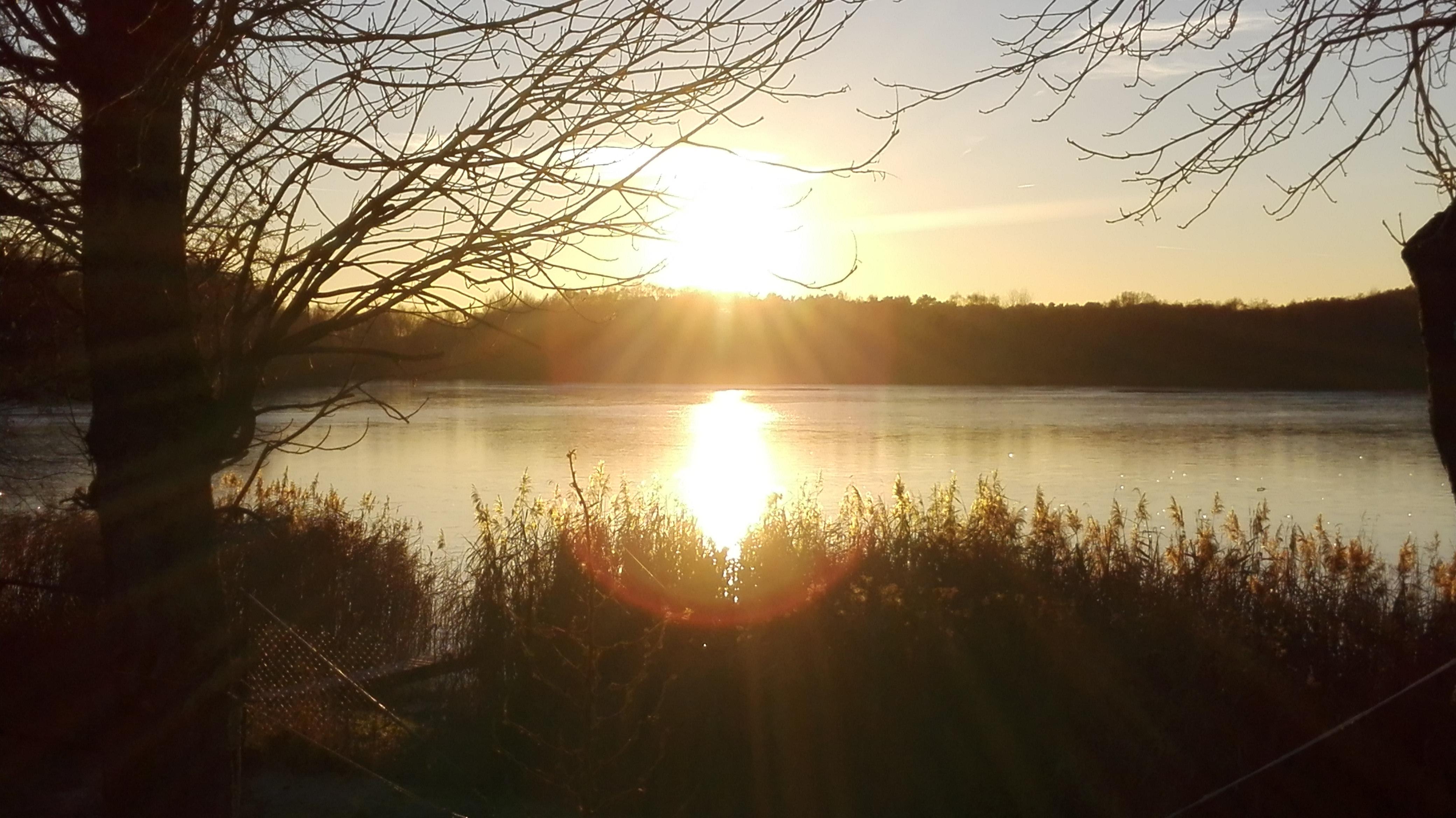 Romantische Winterhochzeit am See