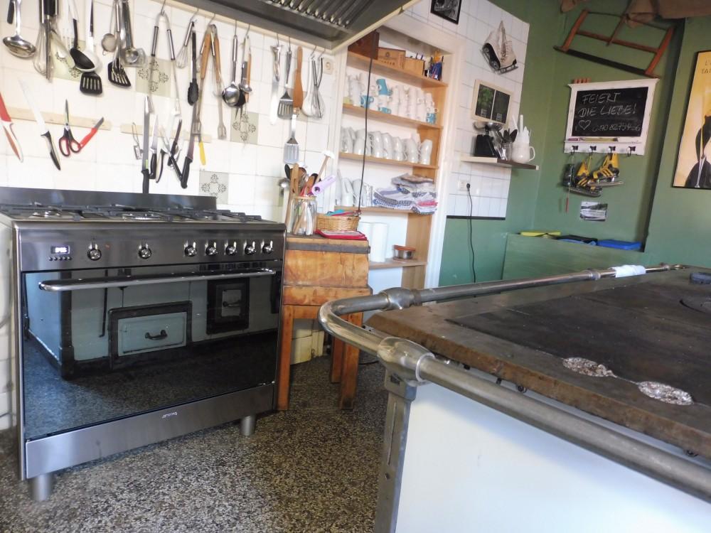 Neuer Gasherd in historischer Küche