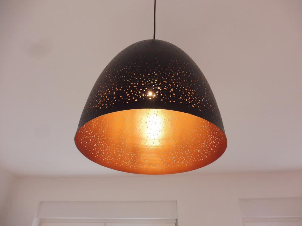 Neue Lampen im Saal