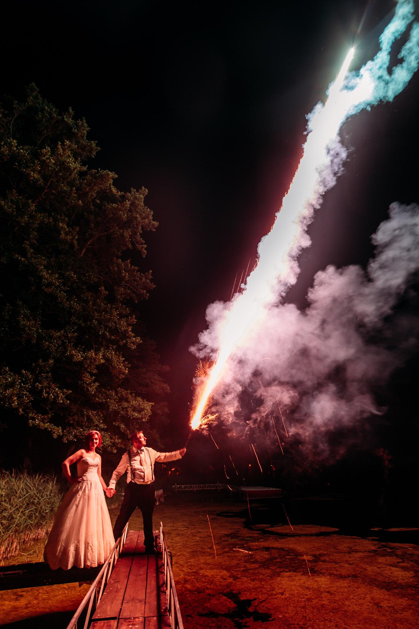 Am See - Steg - Feuerwerk