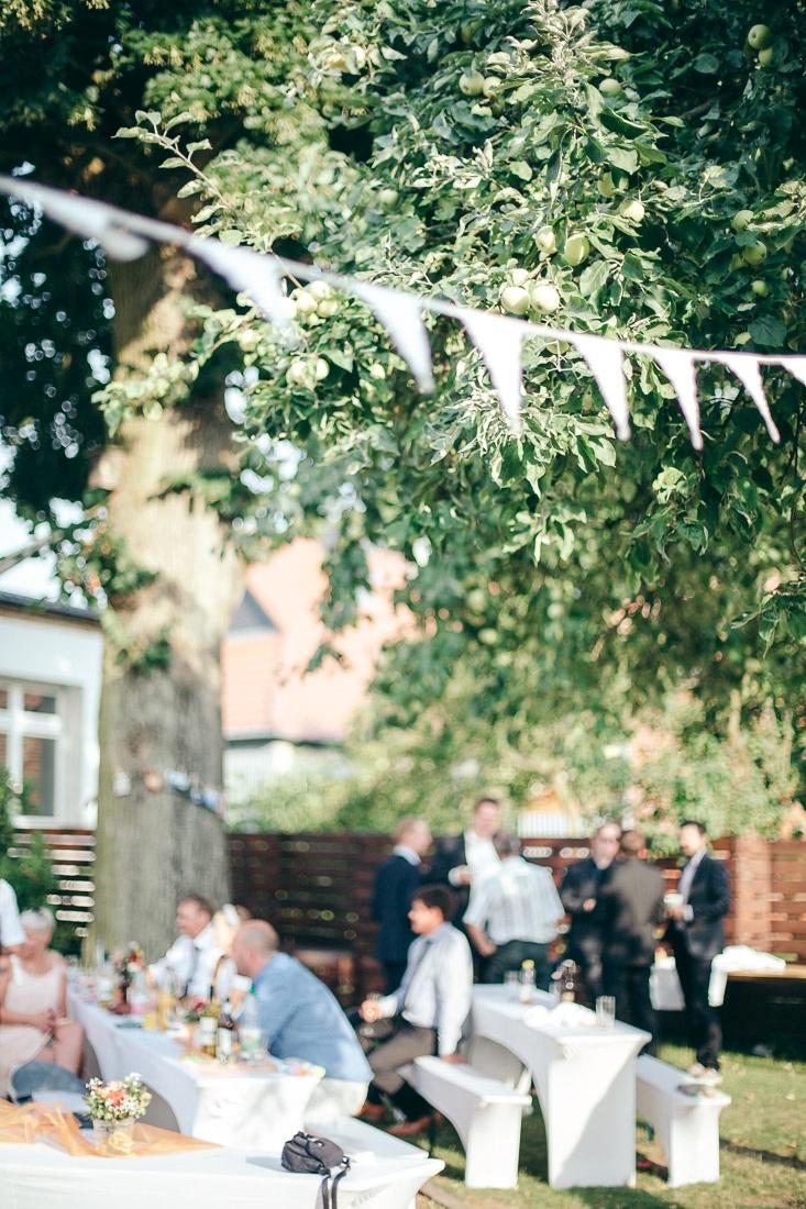 Hochzeitslocation Berlin Brandenburg Scheune Landhochzeit im Garten